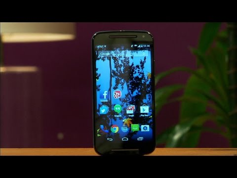 hand - http://cnet.co/1yi2o8X This budget Android 4.4 delivers on comfort, features, and price.
