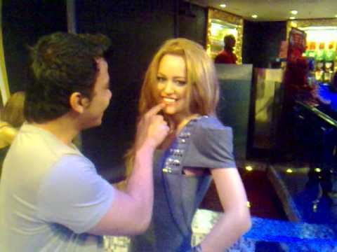 Madame Tussauds wax museum (Miley Cyrus) Pt.1