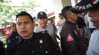 Video Intimidasi Preman Berpakaian Sekuriti Suruhan Pengelola Kalibata City (2) - 18 Menit MP3, 3GP, MP4, WEBM, AVI, FLV November 2017