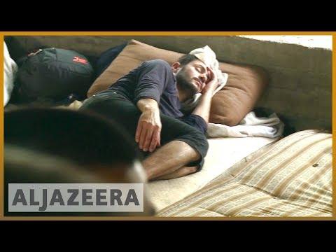 Refugees trapped at Greece-Macedonia border | Al Jazeera English