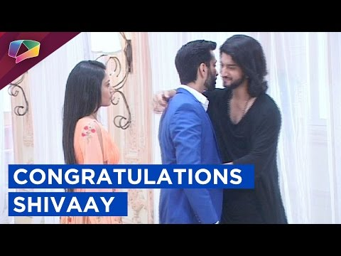 Shivaay Gets The Best Businessman Award | Ishqbaaa
