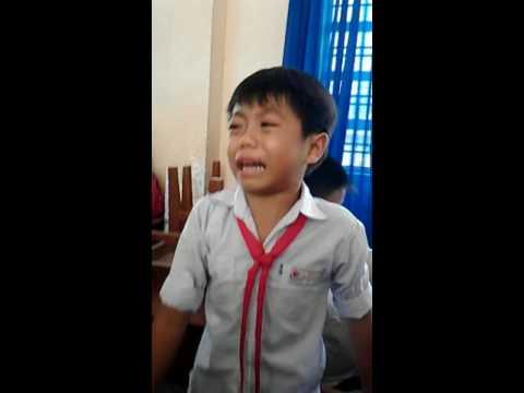 Trẻ trâu đánh lộn cho đã rồi khóc
