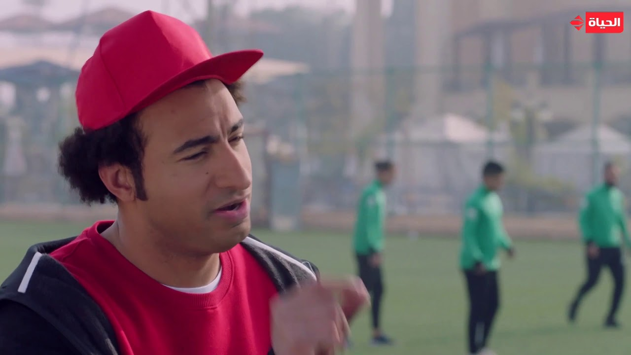 مسلسل عمر ودياب - لما تبقى مخطط انك تكون لاعب كرة قدم كبير وتلاقي نفسك واقف وره الجون بتلم الكور