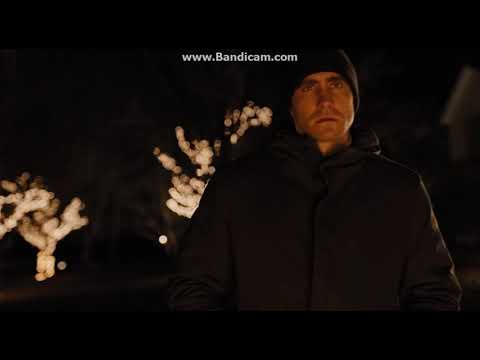 Prisoners (2013) Detective Loki spots the suspect | Chasing | Running | Memorial In the street
