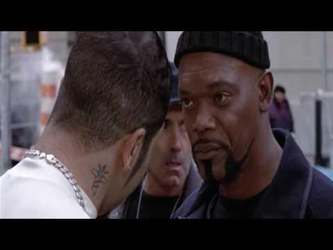 Shaft (2000) - Arresting of Hernandez