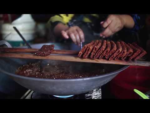 Pembuatan Karasa, kue tradisional dari Cempa Kabupaten Pinrang