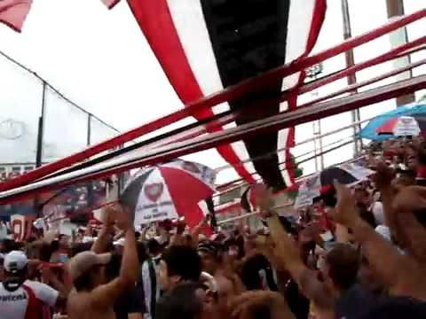 Video - ser de BOCA RIVER es cualquiera, Chacarita Hinchada - La Famosa Banda de San Martin - Chacarita Juniors - Argentina