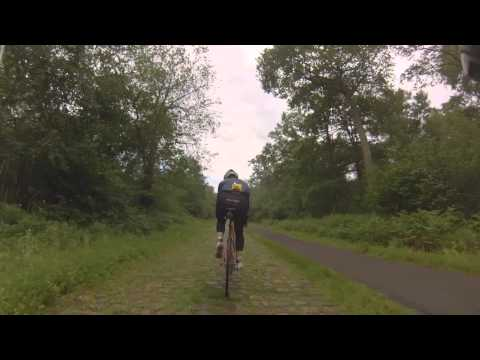 Film: Riding Arenberg's cobbles