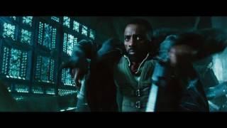 """Chuyển thể từ tiểu thuyết của ông vua kinh dị Stephen King cùng sự góp mặt của hai ngôi sao thực lực Idris Elba và Matthew McConaughey, The Dark Tower là bộ phim hành động gay cấn về cuộc chiến của người và quỷ.   """"Xạ thủ"""" Roland Deschain (Idris Elba) và """"Người mặc áo đen"""" Walter Padick (Matthew McConaughey) đến từ một thế giới song song mang tên Mid-World, nơi các thế hệ chiến binh mang danh hiệu Gunslinger (Xạ thủ) làm nhiệm vụ bảo vệ tòa tháp cân bằng ánh sáng - bóng tối The Dark Tower khỏi những thế lực tà ác. Lịch chiếu:https://www.galaxycine.vn/dat-ve/the-dark-tower-toa-thap-bong-dem"""