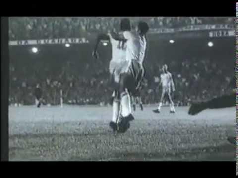 Pelé vs. Maradona: Der Ewige Streit