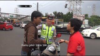 Video Gara-gara Ditilang, Dua Sahabat Ini Malah Berantem Depan Polisi - 86 MP3, 3GP, MP4, WEBM, AVI, FLV Agustus 2017