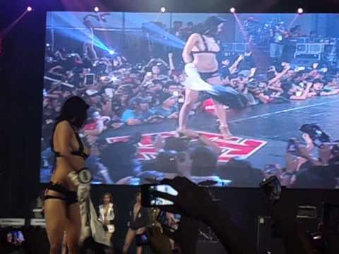 Dutdutan 2013 FHM Bikini Contest last ramp