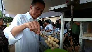 Video Presiden Jokowi Jajan Cilok MP3, 3GP, MP4, WEBM, AVI, FLV April 2019