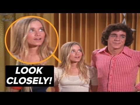 This Photo is NOT Edited - Take a Closer Look at This Brady Bunch Blooper!