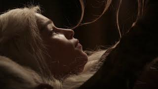 Emilia Clarke and Roxanne McKee game of thrones sexy scene