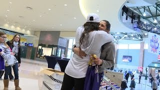 Watch as Washington women's basketball player Kelsey Plum is surprised by her sister before her Final Four game against.