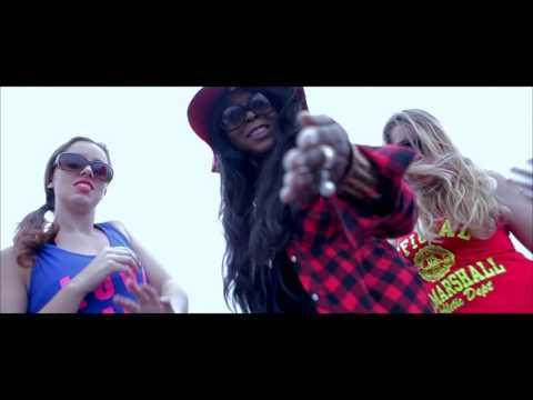 BENITA: LE GARS SEXY (Official Clip)