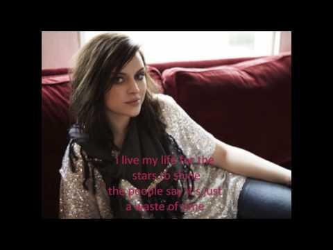 Tekst piosenki Amy MacDonald - Rock'n'Roll Star po polsku