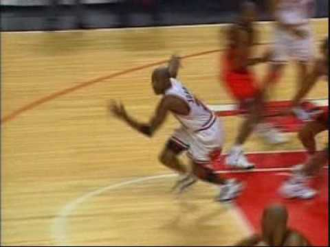 Michael Jordan – Top 10 Buzzer Beaters