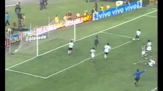 Em 2005, Corinthians e Botafogo empatam em 3 a 3 pelo Campeonato Brasileiro. Fogão joga com autoridade e arranca empate contra o líder no Pacaembu.