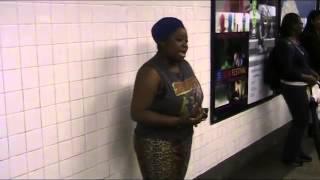 Bezdomna Kobieta, śpiewa piosenkę Beyonce w Nowojorskim metrze!