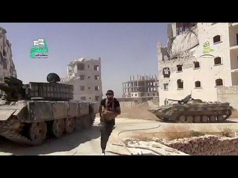 Συρία: «Η Δύση φοβάται και έχει μεγάλη ευθύνη» λέει ο εξόριστος ξάδερφος του Άσαντ