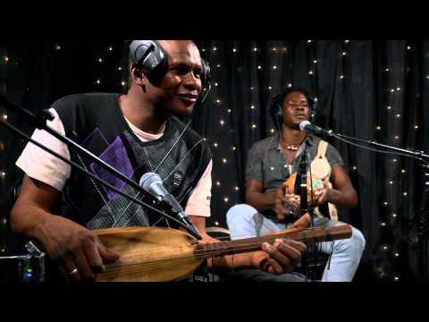 Bassekou Kouyate & Ngoni Ba - Jama ko (Live on KEXP)