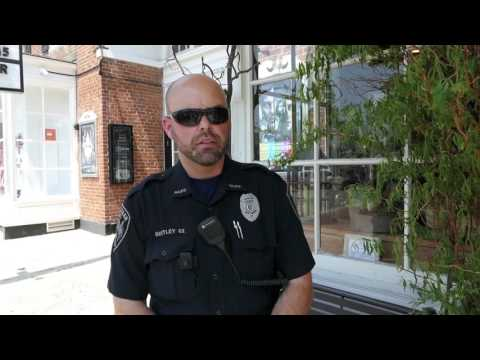 Officer Ron Bentley talks with the New Canaan Advertiser