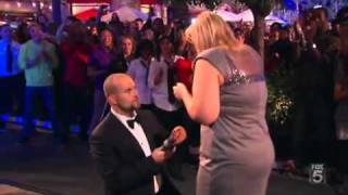 Download Video Marriage Proposal & Wedding in an Enormous Dancing Mobbed MP3 3GP MP4