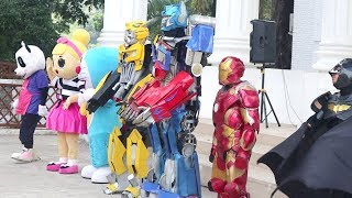 Video Di Balik Kostum Superhero Batman, Iron man, Bumble Bee, Doraemon, Optimus Prime, & Badut LOL MP3, 3GP, MP4, WEBM, AVI, FLV Juni 2019