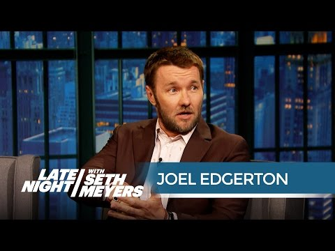 Joel Edgerton's Brother Does His Stunts for Him - Late Night with Seth Meyers (видео)