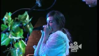 Angus & Julia Stone - Mango Tree (Live in Sydney) | Moshcam