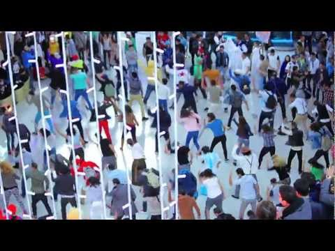 شباب مغربي يحتفل
