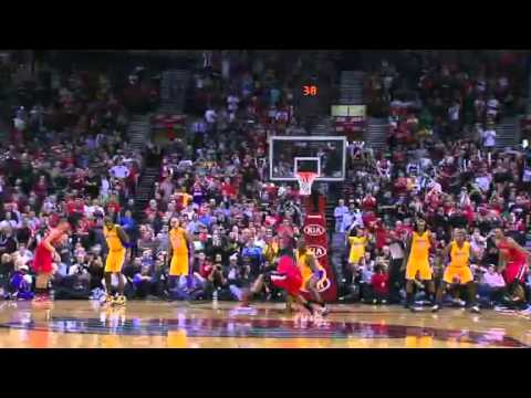 Damian Lillard beats the buzzers against Lakers