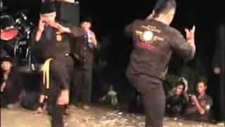 atraksi pencak kucur malang 1 (pertarungan) Video