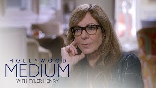 Video Allison Janney's Reading Takes a Surprising Turn | Hollywood Medium with Tyler Henry | E! MP3, 3GP, MP4, WEBM, AVI, FLV Juni 2018