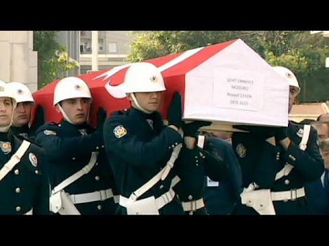 Ημέρα τρόμου και βίας στην Τουρκία