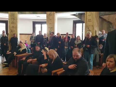 JELENA KARLEUŠA ODLAZI IZ SRBIJE!