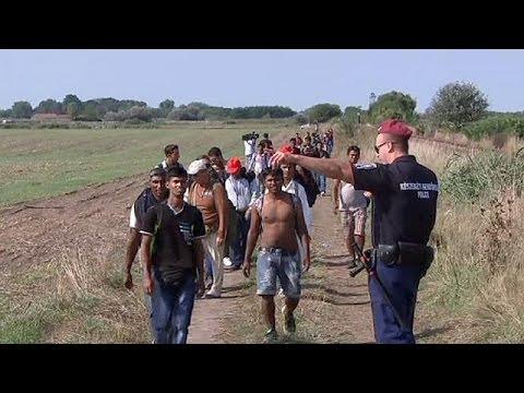 Χιλιάδες μετανάστες στη μεθόριο Ουγγαρίας-Σερβίας