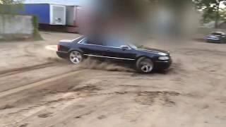 Genialny pokaz jak nie należy driftować