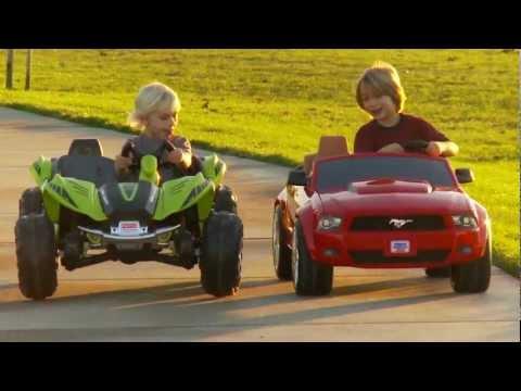 Power Wheels Race – Dune Racer vs Mustang