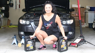 Tara changes her engine oil on her 2007 BMW 335 E93 using Castrol Edge 5W40 and a Mann oil filter. She also shows how to reset the oil change interval. This is for BMW 3-series 2007-2011.T-shirt is from www.tunerstock.com (which I modded)Song is Cut and Dry - Electronic Hard by Kevin MacLeod, licensed under a Creative Commons Attribution license (https://creativecommons.org/licenses/by/4.0/)