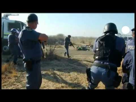 Matanza en Sudafrica cuando la policía dispara a los mineros en huelga