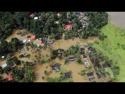Indian PM pledges aid as rain lets up in Kerala (видео)