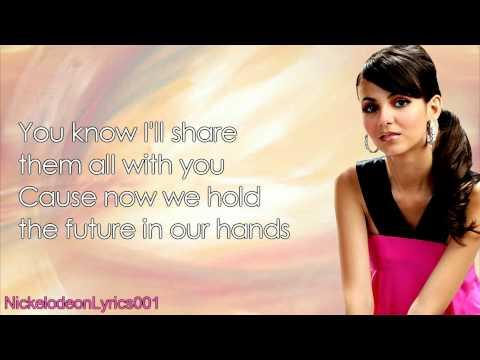 Tekst piosenki Victoria Justice - Almost Paradise  feat. Hunter Hayes po polsku