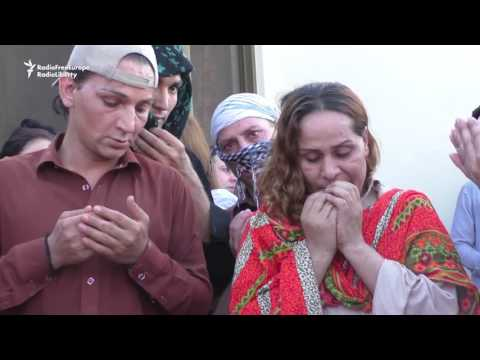 Video Politicians Join Activists To Mourn Transgender Death In Peshawar download in MP3, 3GP, MP4, WEBM, AVI, FLV January 2017