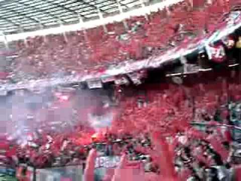 HINCHADA DE INDEPENDIENTE COPANDO EL CILINDRO 2007 - La Barra del Rojo - Independiente