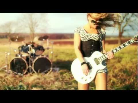 Fourever - Me, Myself and I (2011) [HD 720p]