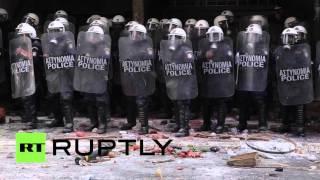 Столкновения между протестующими фермерами и полицией в Афинах