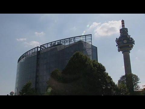 Μπολορέ εναντίον Μπερλουσκόνι: Μάχη μεγιστάνων για τον έλεγχο της ευρωπαϊκής τηλεόρασης – corporate